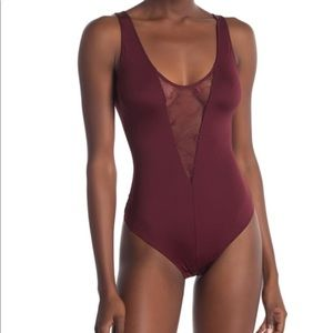 NWOT VINCE CAMUTO bodysuit size small